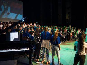OTADŽBINA U SRCU SABORA SLOGE POKRETA 3+: Deca su pevala Kosovski božuri i Zemljo moja